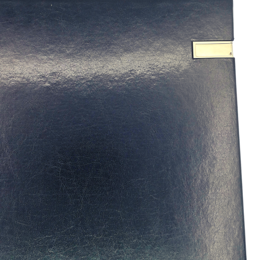 Close Up of Silver USB Black Leather Dry Mount 50 Page Album