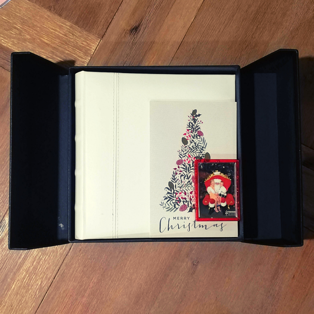 presentation memory box decoupage Christmas box open